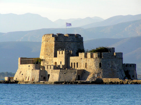 Greece Expects 15-20% Increase in Tourist Arrivals in 2016— 30 Million People